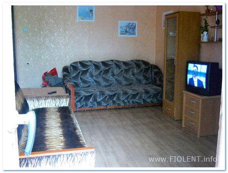 Севастополь, квартира Алены. Комната, 2